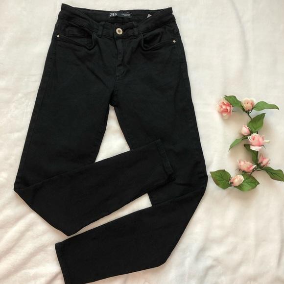 Zara black skinny jeans Sz 4